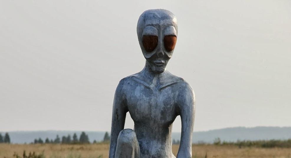 Памятник инопланетянину в Молёбской аномальной зоне